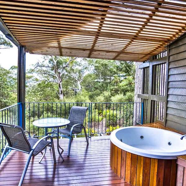 7 Top Tips For Throwing A Grand Party In A Small Home: Fraser Island Meetings